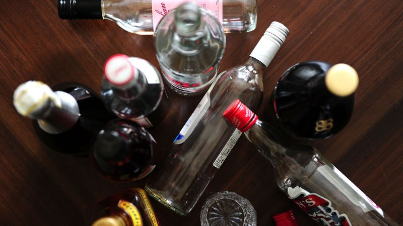 Alcohol-related deaths 'cut by more than 20% with minimum pricing'