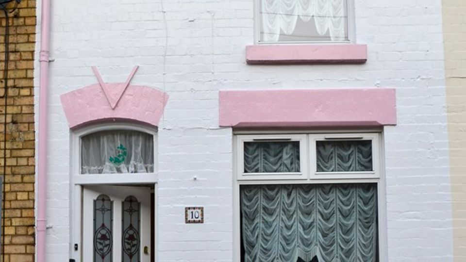 Remarkable Ringo Starrs Childhood Home Up For Auction Local News Home Interior And Landscaping Eliaenasavecom